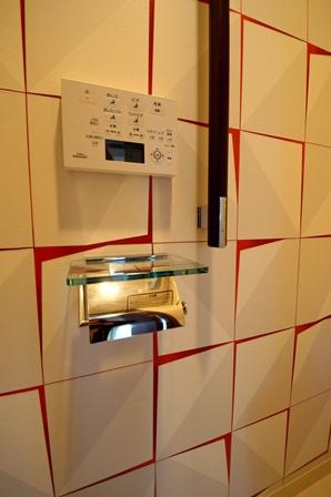 ガラスペーパーホルダー トイレ マンション 20160614.jpg