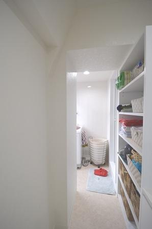 サニタリー 収納 マンション 壁面収納.JPG