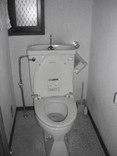 トイレ ビフォ 施工前.JPG