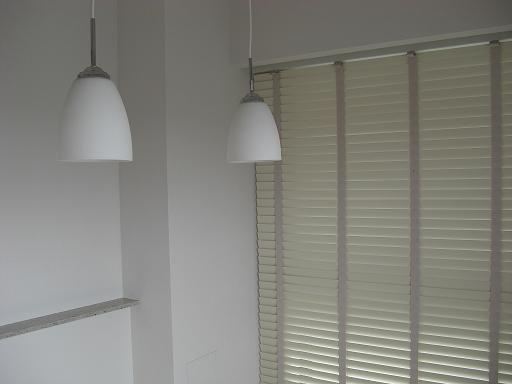 ホワイト木製ブラインド.JPG
