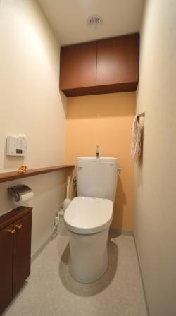 マンション トイレ リフォーム オレンジ.JPG