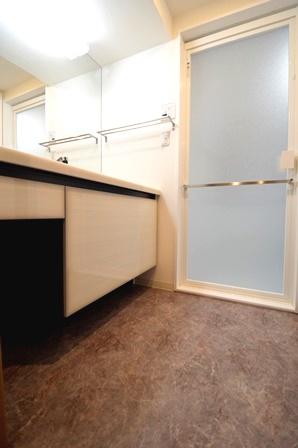マンション 洗面台 リクシル ルミシス20150327.JPG