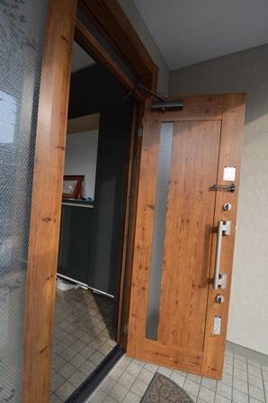 ワンデーリフォーム 戸建 仙台 玄関ドア.JPG