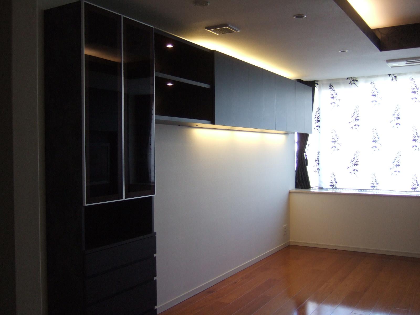 吊戸&食器棚.JPG