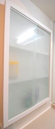 壁面収納 ガラス くもり オーダー20150327.JPG