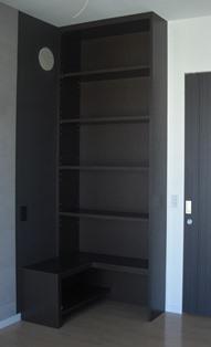 寝室本棚.jpg