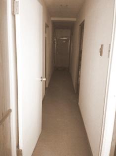 廊下 マンションビフォー 20160425.jpg