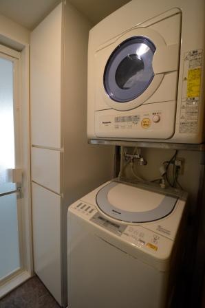 洗面室 収納 洗濯機横 マンション 20150328.JPG