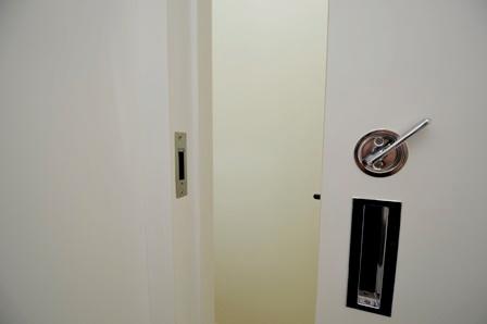 鍵 トイレ 引戸 20150728.JPG
