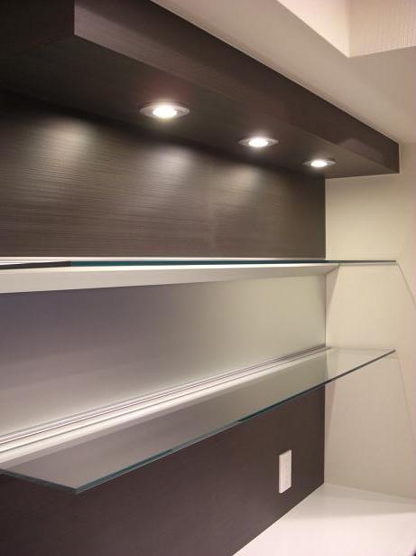 食器棚UP.JPG