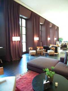 0196BVLGARI Hotel robby.jpg