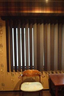 17.寝室バーチカル.jpg