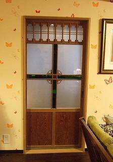 4.寝室入口ドア.jpg