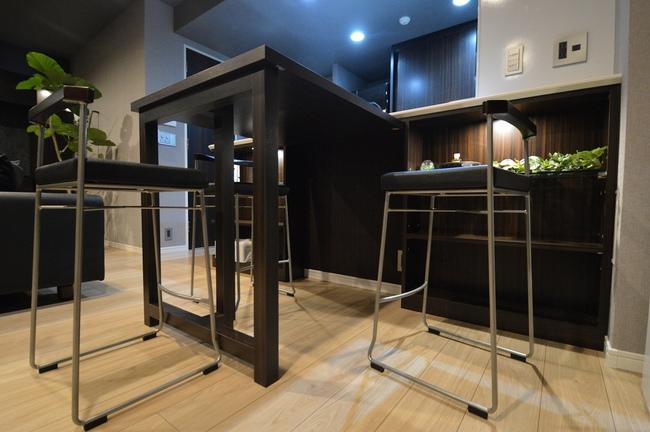 ダイニングテーブル カウンター下収納 折り畳み.jpg